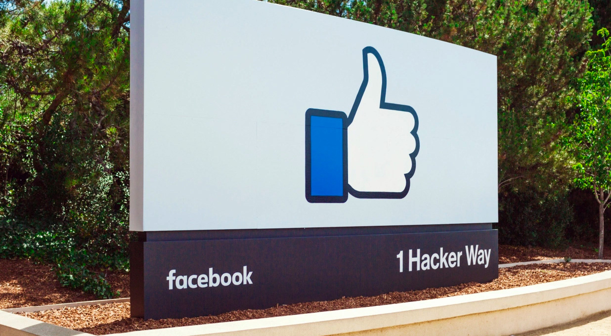 <b>Facebook</b> - beats expectations, but growth to slow thumbnail