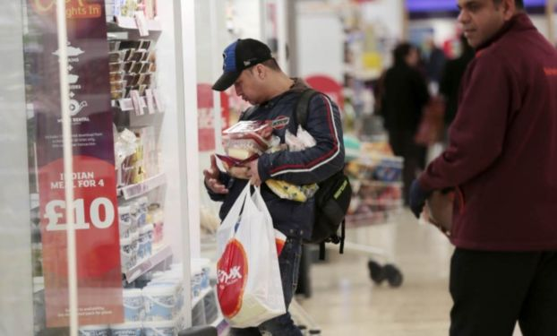 Consumer confidence falls as Brexit inflation hits services