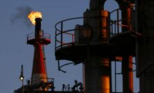 Oil climbs on falling US gasoline stockpiles and Gulf tension