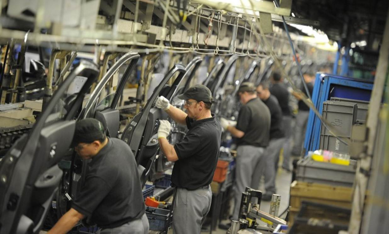 Nissan says the UK car industry needs £100m of government support to survive Brexit