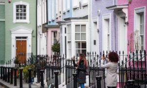 UK home-sale expectations dip to two-decade low