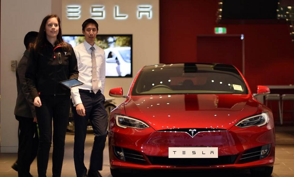 Tesla-16.jpg