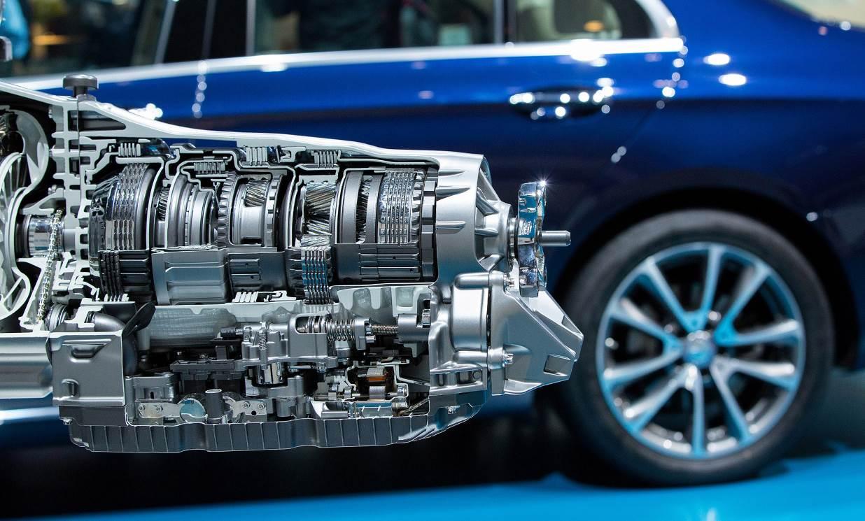 Daimler pledges cuts, efficiency drive to restore margins