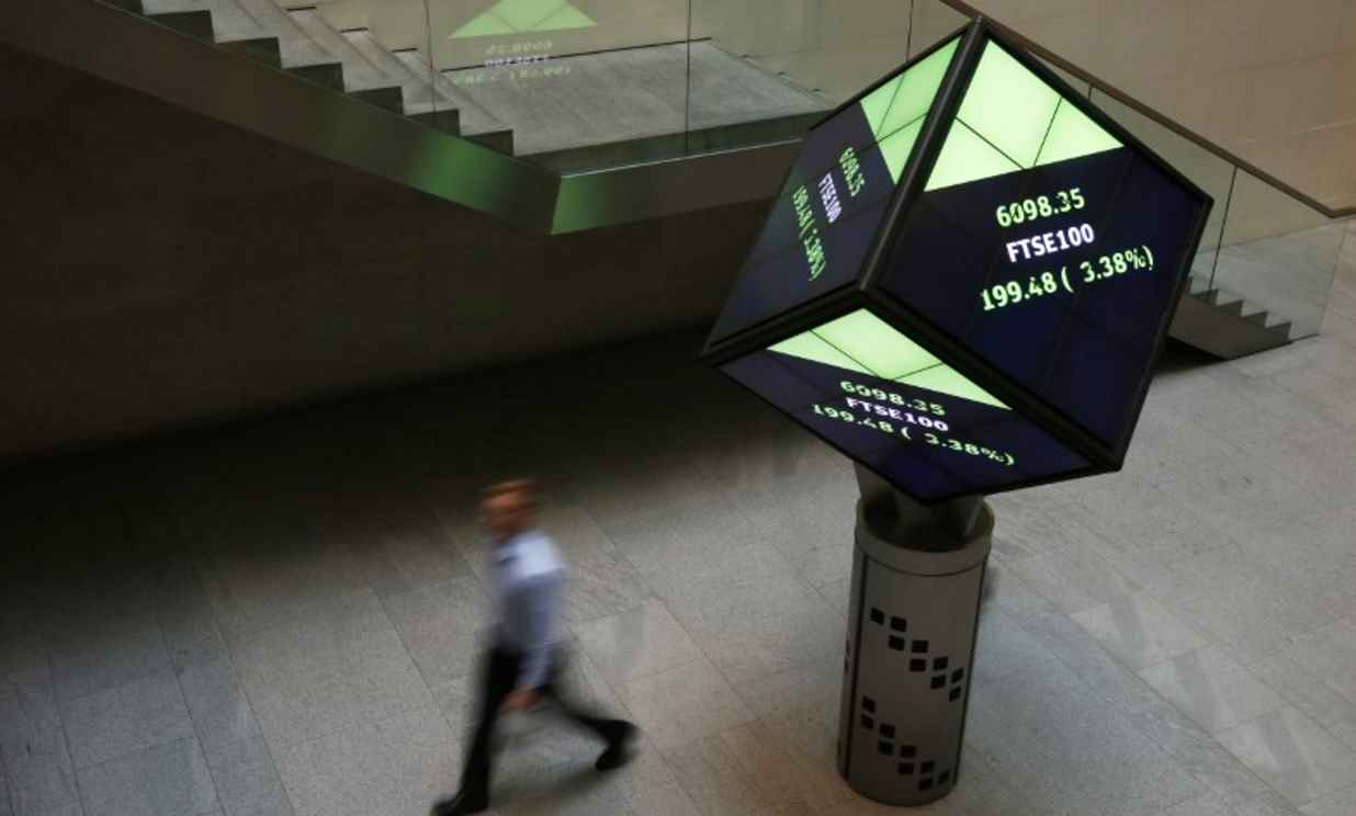 FTSE 100 recovers, driven by defensives, as trade nerves ebb