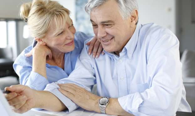 Reasons to pay into a pension even after you retire