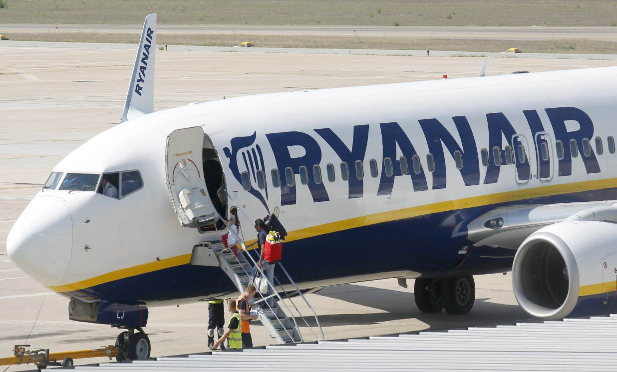 ryanair recommendations A ryanair aircraft stands on the tarmac at frankfurt-hahn airport during a strike of their pilots and cabin crew in hahn, near frankfurt, germany, september 12, 2018  said its recommendations .